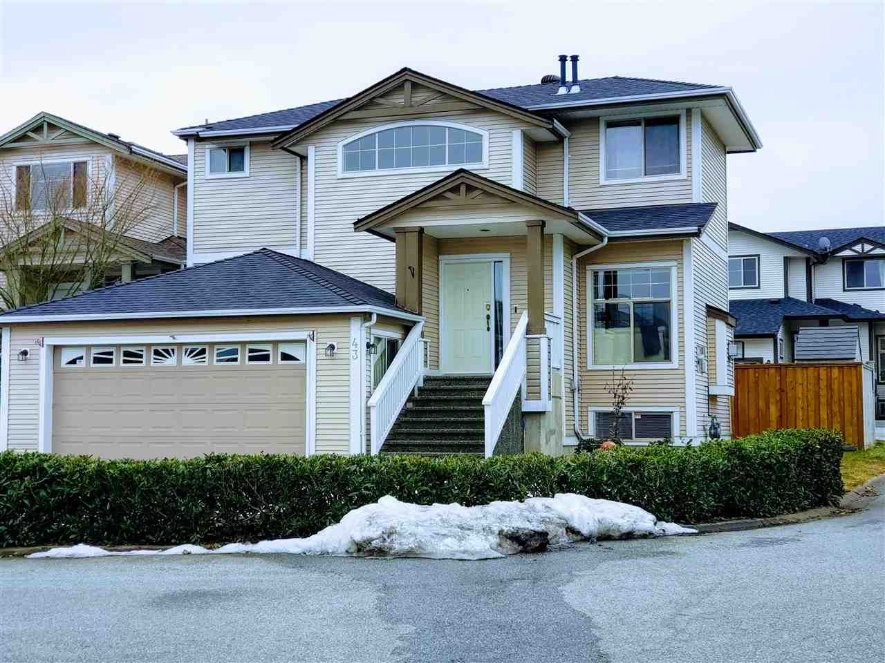 """Main Photo: 43 8675 209 Street in Langley: Walnut Grove House for sale in """"Sycamores"""" : MLS®# R2347304"""