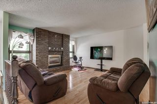 Photo 3: 363 Crean Crescent in Saskatoon: Lakeview SA Residential for sale : MLS®# SK861282