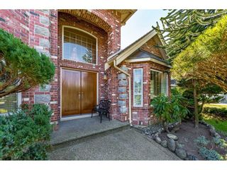 Photo 3: 15770 92A Avenue in Surrey: Fleetwood Tynehead House for sale : MLS®# R2598458