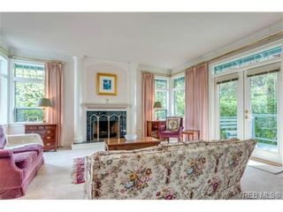 Photo 4: 1615 York Pl in VICTORIA: OB North Oak Bay House for sale (Oak Bay)  : MLS®# 707996