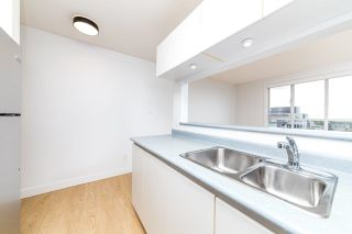 """Photo 5: 1304 3455 ASCOT Place in Vancouver: Collingwood VE Condo for sale in """"Queens Court"""" (Vancouver East)  : MLS®# R2608470"""