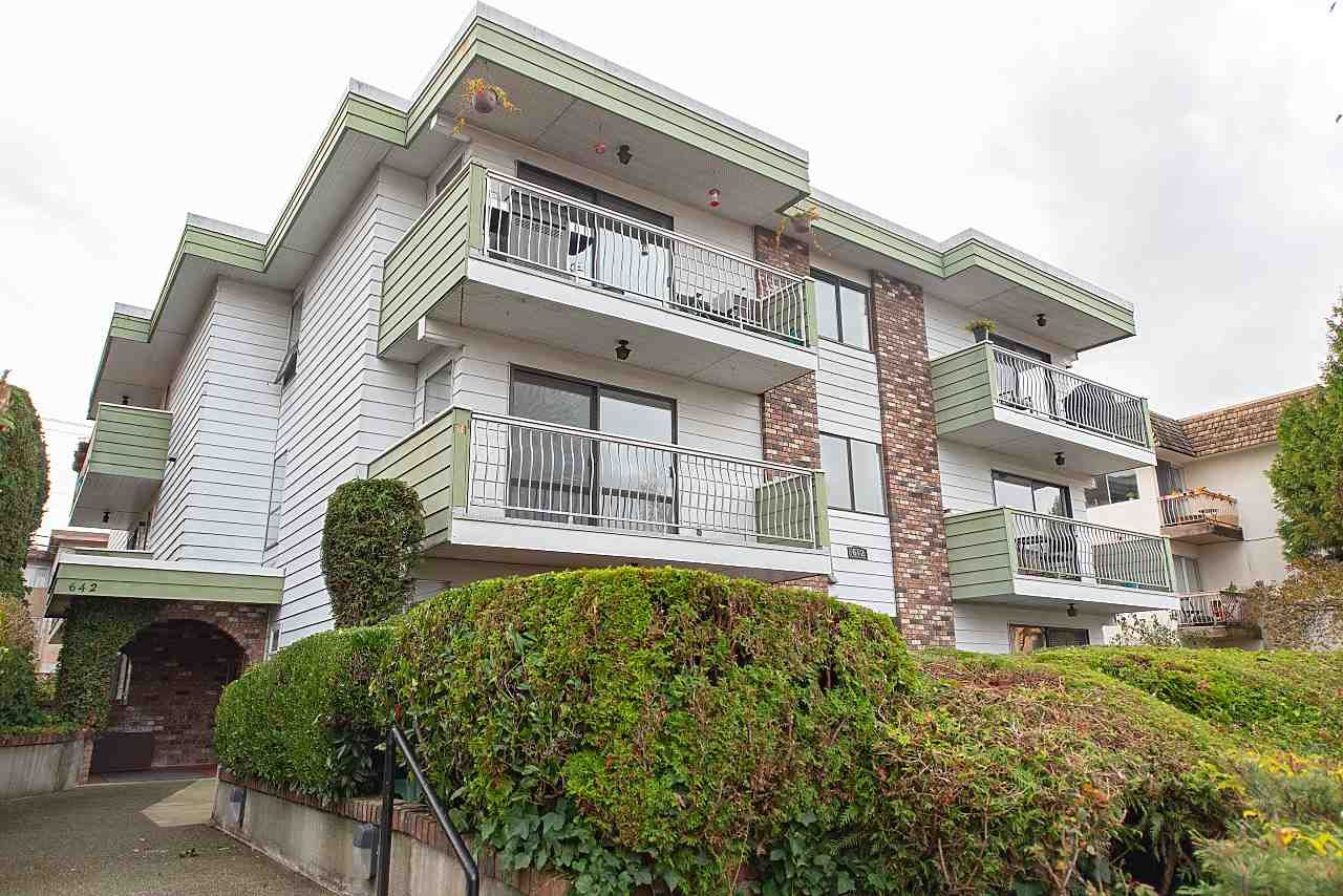 """Main Photo: 202 642 E 7TH Avenue in Vancouver: Mount Pleasant VE Condo for sale in """"Ivan Manor"""" (Vancouver East)  : MLS®# R2319383"""
