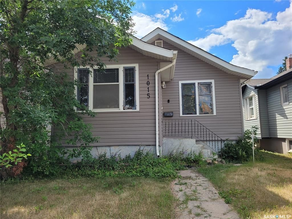 Main Photo: 1015 Idylwyld Drive North in Saskatoon: Caswell Hill Residential for sale : MLS®# SK863950