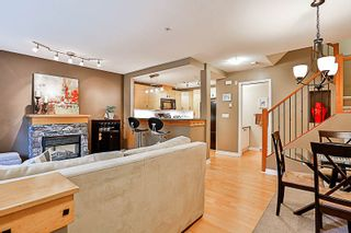 """Photo 3: 33 7488 SOUTHWYNDE Avenue in Burnaby: South Slope Townhouse for sale in """"LEDGESTONE 1"""" (Burnaby South)  : MLS®# R2176446"""