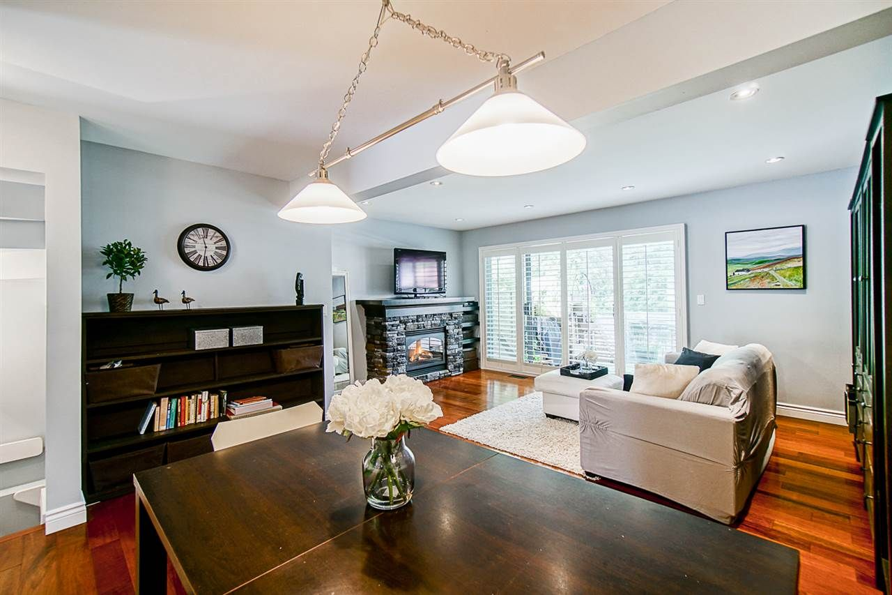 """Photo 5: Photos: 1 1960 RUFUS Drive in North Vancouver: Westlynn Townhouse for sale in """"Mountain Estates"""" : MLS®# R2487288"""