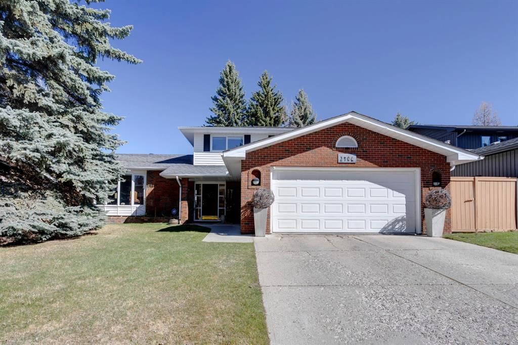 Main Photo: 2406 Bay View Place SW in Calgary: Bayview Detached for sale : MLS®# A1101665