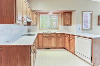 Photo 2: 51 SANDRINGHAM Way NW in Calgary: Sandstone Valley House for sale