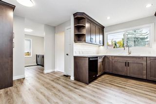 Photo 9: 2728 Cedarbrae Drive SW in Calgary: Cedarbrae Detached for sale : MLS®# A1041072