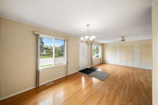 Photo 4: 3320 Dover Ridge Drive SE in Calgary: Dover Detached for sale : MLS®# A1141061