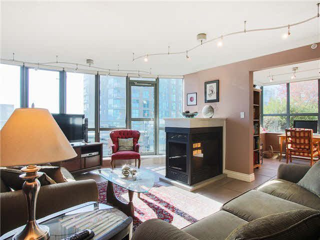 Main Photo: 703 1128 QUEBEC STREET in : Downtown VE Condo for sale : MLS®# V1138628