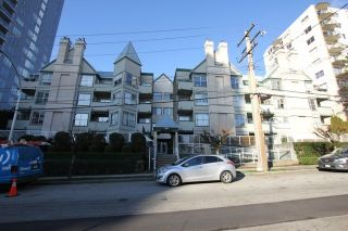"""Photo 1: 404 509 CARNARVON Street in New Westminster: Downtown NW Condo for sale in """"HILLSIDE PLACE"""" : MLS®# R2226244"""