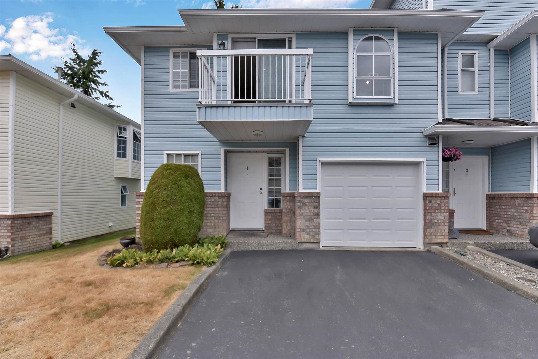 Main Photo: 4 13976 72 Avenue in Surrey: East Newton Townhouse for sale : MLS®# R2602579