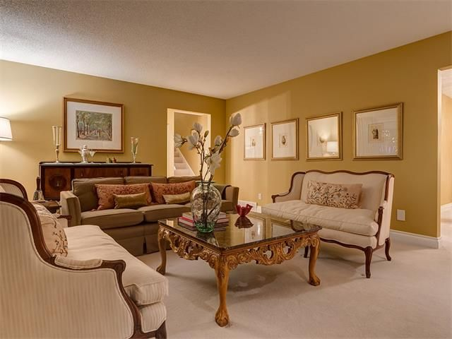 Photo 7: Photos: 7016 KENOSEE Place SW in Calgary: Kelvin Grove House for sale : MLS®# C4055215