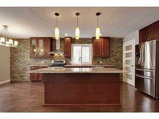 Photo 3: 8007 7 Street SW in Calgary: Bungalow for sale : MLS®# C3595147