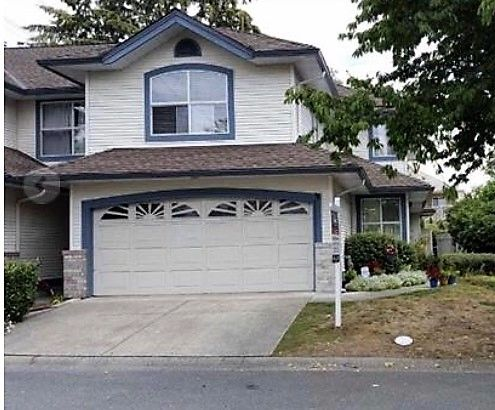 Main Photo: 31 7330 122 Street in Surrey: West Newton Townhouse for sale : MLS®# R2138718