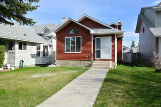 Photo 1: 26 MARTINGROVE Mews NE in Calgary: Martindale House for sale : MLS®# C4116832