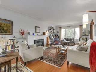 Photo 5: 4345 LOCARNO Crescent in Vancouver: Point Grey House for sale (Vancouver West)  : MLS®# R2266726