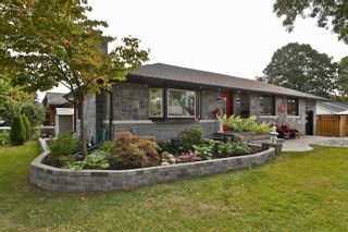 Photo 2: 2179 Clarendon Park Drive in Burlington: Brant House (Bungalow) for sale : MLS®# W5155006