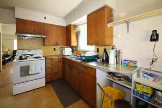 Photo 4: 3605 MARSHALL Street in Vancouver: Grandview Woodland House for sale (Vancouver East)  : MLS®# R2570232