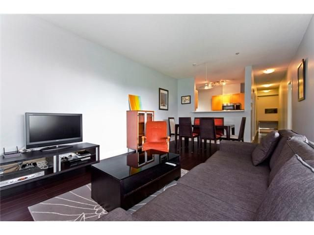 """Main Photo: 101 1880 E KENT Avenue in Vancouver: Fraserview VE Condo for sale in """"PILOT HOUSE AT TUGBOAT LANDING"""" (Vancouver East)  : MLS®# V900739"""