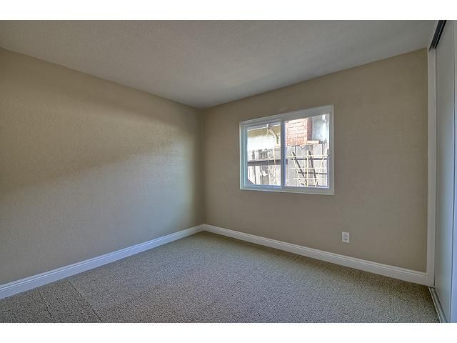 Photo 9: Photos: MIRA MESA House for sale : 3 bedrooms : 9076 Kirby Court in San Diego