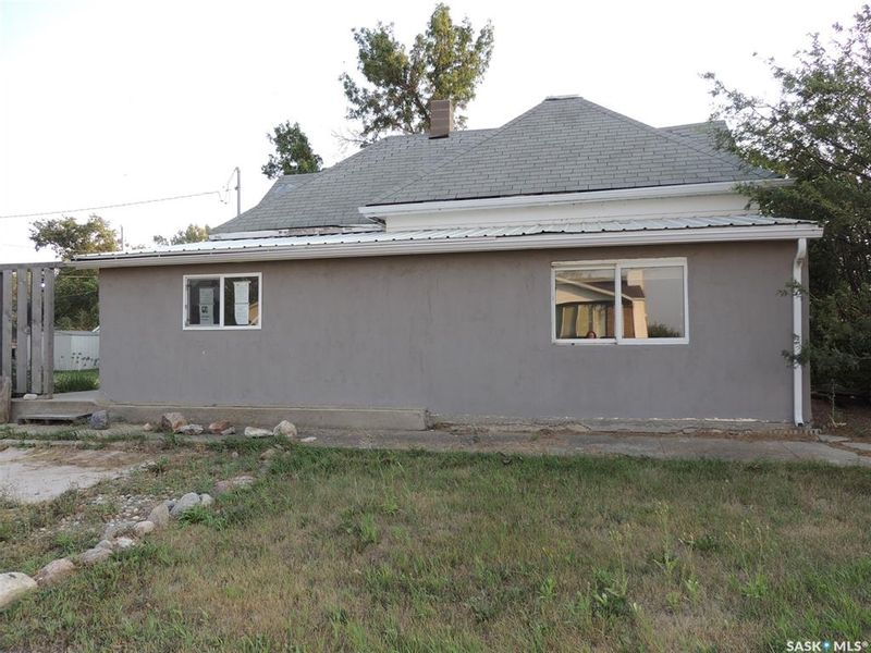 FEATURED LISTING: 214 Railway Avenue Lampman