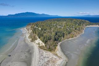 Photo 4: 135 HAIRY ELBOW Road in Seymour: Halfmn Bay Secret Cv Redroofs House for sale (Sunshine Coast)  : MLS®# R2556718