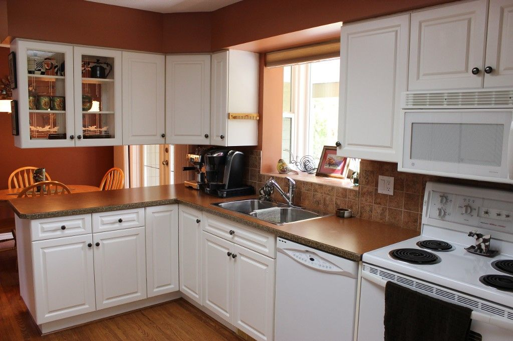 Photo 7: Photos: 1523 Robinson Crescent in Kamloops: South Kamloops House for sale : MLS®# 128448