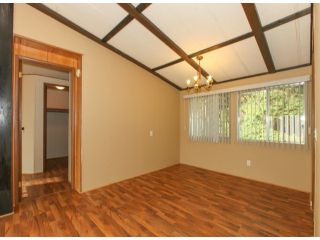 """Photo 4: 26 10221 WILSON Road in Mission: Stave Falls Manufactured Home for sale in """"TRIPLE CREEK ESTATES"""" : MLS®# F1428351"""