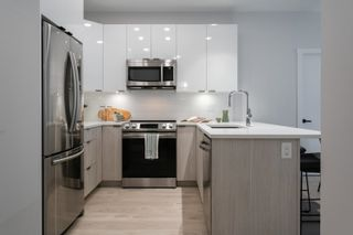 """Photo 4: 517 5486 199A Street in Langley: Langley City Condo for sale in """"Ezekiel"""" : MLS®# R2621597"""