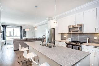 """Photo 3: 2 2139 PRAIRIE Avenue in Port Coquitlam: Glenwood PQ Townhouse for sale in """"Westmount Park"""" : MLS®# R2389306"""