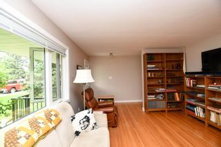 Photo 6: 20 Brantford Crescent NW in Calgary: Brentwood Detached for sale : MLS®# A1135023