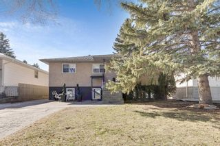 Main Photo: 1425 43 Street SW in Calgary: Rosscarrock Detached for sale : MLS®# A1090704