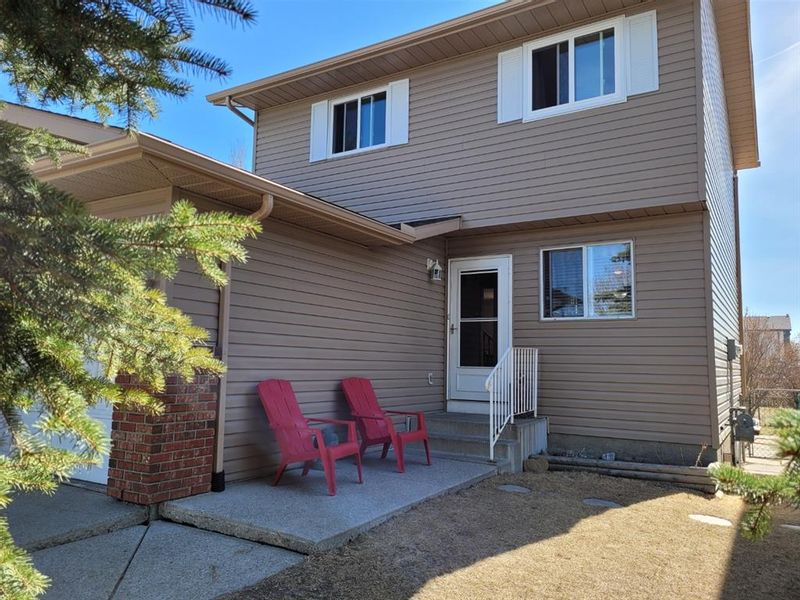 FEATURED LISTING: 88 Everglade Drive Southeast Airdrie