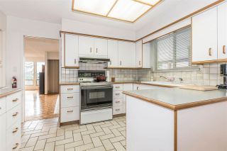 Photo 10: 655 FORESTHILL Place in Port Moody: North Shore Pt Moody House for sale : MLS®# R2443767