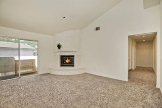 Photo 6: 331 Beaumont Ct in Vista: Residential for sale (92084 - Vista)  : MLS®# 170045073