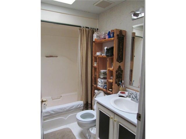 Photo 11: Photos: 10331 100A Street: Taylor Manufactured Home for sale (Fort St. John (Zone 60))  : MLS®# N238183