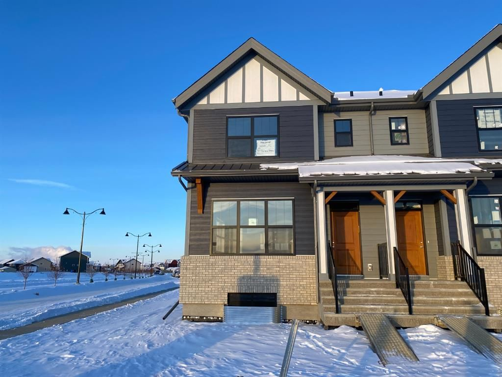 Main Photo: 40 Magnolia Parade SE in Calgary: Mahogany Semi Detached for sale : MLS®# A1067329