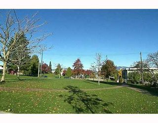 """Photo 8: 303 788 E 8TH Avenue in Vancouver: Mount Pleasant VE Condo for sale in """"CHELSEA COURT"""" (Vancouver East)  : MLS®# V743600"""