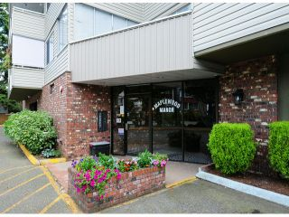 """Photo 1: 308 32040 TIMS Avenue in Abbotsford: Abbotsford West Condo for sale in """"MAPLEWOOD MANOR"""" : MLS®# F1416479"""