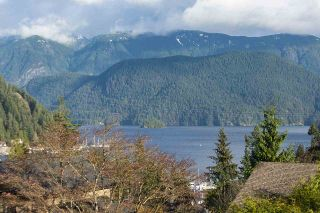 Photo 1: 2056 CLIFFWOOD Road in North Vancouver: Deep Cove House for sale : MLS®# R2521217
