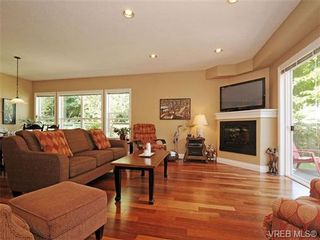 Photo 2: 8 5164 Cordova Bay Rd in VICTORIA: SE Cordova Bay Row/Townhouse for sale (Saanich East)  : MLS®# 704270