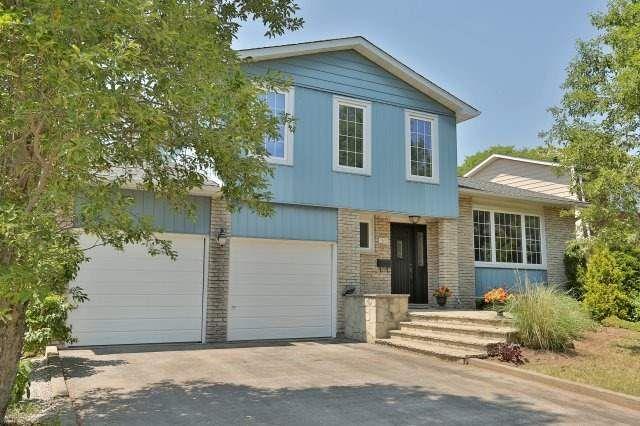 Main Photo: 1165 Grand Boulevard in Oakville: Iroquois Ridge South House (Sidesplit 4) for sale : MLS®# W3537363