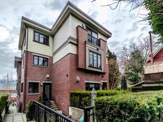 Photo 1: 462 E 5TH Avenue in Vancouver: Mount Pleasant VE Townhouse for sale (Vancouver East)  : MLS®# R2544959