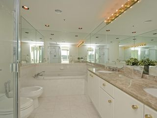Photo 13: 702 1501 HOWE STREET in Vancouver: Yaletown Condo for sale (Vancouver West)  : MLS®# R2325497