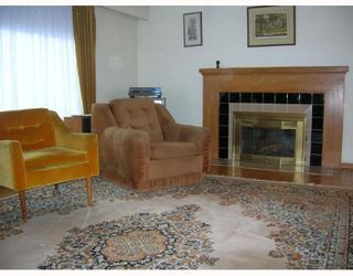 Photo 2: 6995 HALLIGAN Street in Burnaby: Upper Deer Lake House for sale (Burnaby South)  : MLS®# V686559
