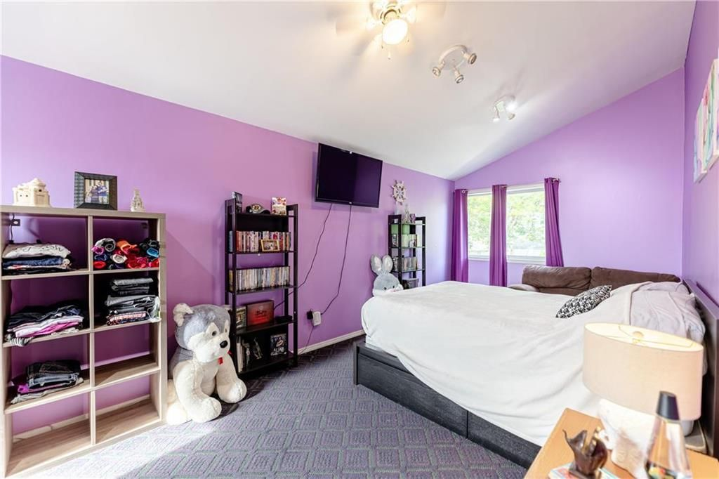 Photo 19: Photos: 805 Madeline Street in Winnipeg: West Transcona Residential for sale (3L)  : MLS®# 202114224