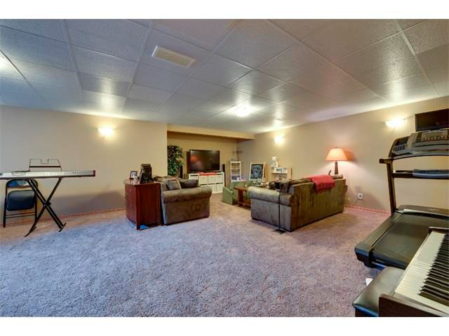Photo 17: Photos: 21 MORNINGSIDE Bay SW: Airdrie House for sale : MLS®# C4011063