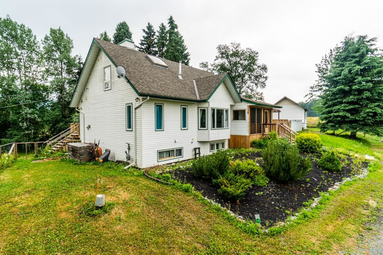 Main Photo: 3035 UPPER FRASER Road in Prince George: Giscome/Ferndale House for sale (PG Rural East (Zone 80))  : MLS®# R2540494