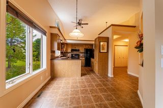 Photo 9: 3 Douglas Woods Park SE in Calgary: Douglasdale/Glen Semi Detached for sale : MLS®# A1147146